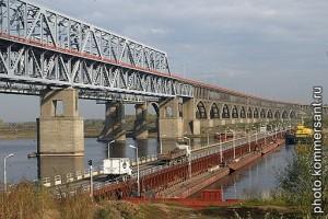 Мост, соединяющий Бор и Нижний Новгород.